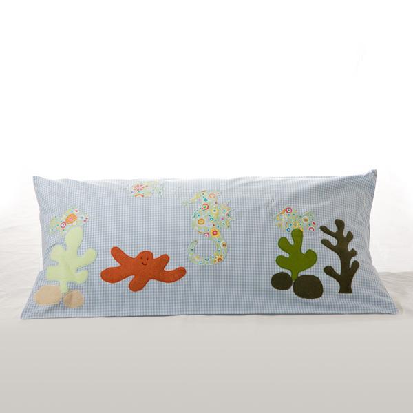 kuschelkissen 40 x 80 cm 39 unterwasserwelt 39 kim wolf. Black Bedroom Furniture Sets. Home Design Ideas